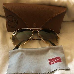 Gold classic style Ray Ban aviator sunglasses